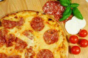 4_Pizza_Salami